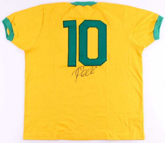 Pele / Brazil - signed home shirt - with PSA/DNA COA