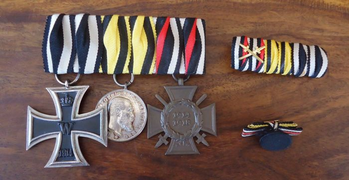 Decoration with 3 medals on a clasp and a field clasp / WW1 / EK 2