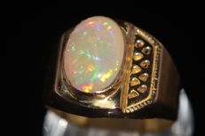 18 kt gold men's ring set with an opal 6 ct - size 66 ***No reserve price***