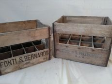 Lot of 2 vintage bottle crates from 1964 by San Bernardo and San Pellegrino
