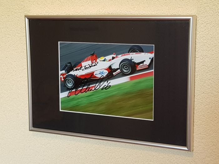 Lewis Hamilton - 3x Worldchampion Formula1 -  hand signed (Rare full autograph !) framed photo + COA.