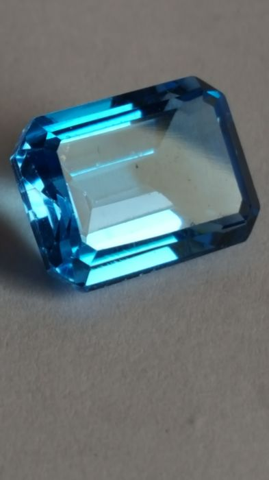 Topaz - Swiss blue - 9.39 ct