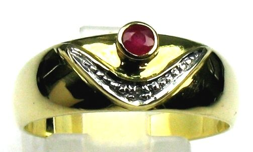 Ruby and diamond ring in solid 14 kt/585 yellow gold, size  59 / 18.8 mm