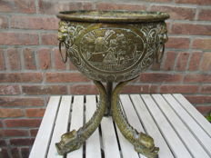 Decorative copper jardiniere on tripod - 19th century