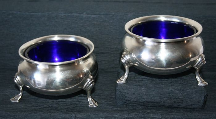 2 sterling silver salt cellars from England + glass liners, hallmarked - Edward Barnard & Sons - London - 1918