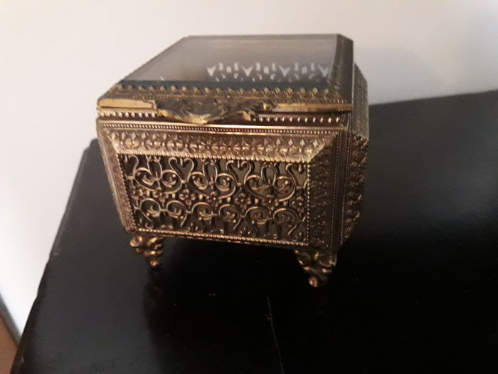 Pierced jewellery box, early 20th century