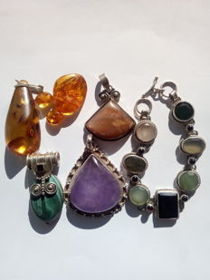4 gemstone pendants, three individual amber pieces, one bracelet made of 925 silver with 7 different stones and 6 garnets
