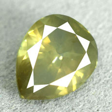 Diamond - 1.02 ct, SI2 - Natural Fancy Yellowish Green