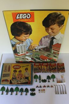 Vintage - Town Plan 810 with 4 x 218 - 230 - 231 - 233 - 270 and 700/3a in box - Lego System - 1956/1962