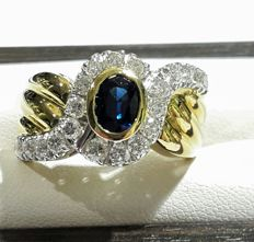 Visconti ring in 18 kt/750 white and yellow gold, with 0.88 ct sapphire and 0.74 ct diamonds