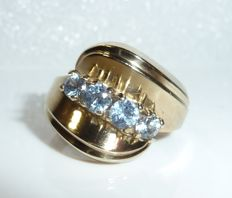 Ring made of 8 kt / 333 gold with natural sky blue topazes, circa 1960, ring size 53 / 16.9