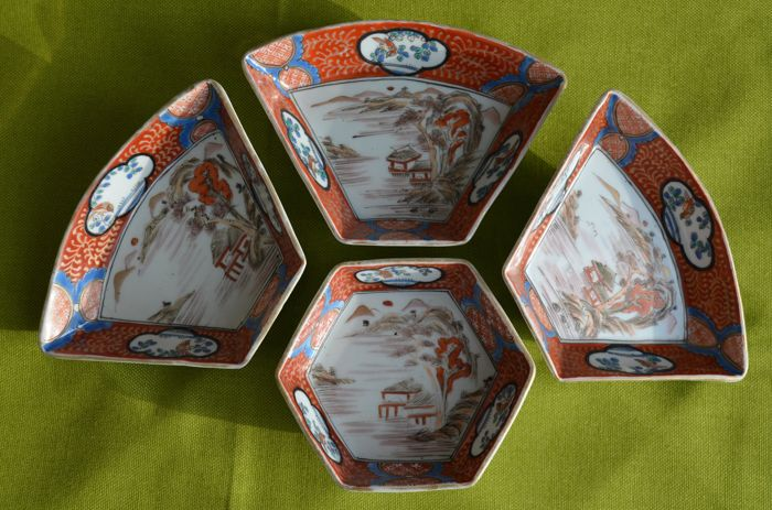 Asian porcelain set of patty pans - Japan - first half 20th century