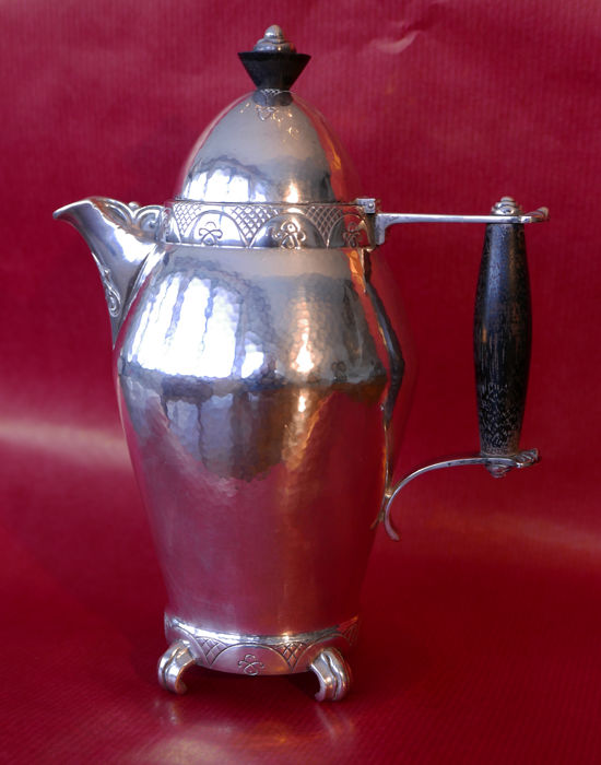 Thune - Arts & Crafts, silver coffee pot with wooden handles and knob on lid, ca. 1915/1920, Oslo, Norway