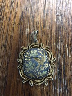 Filigree silver pendant and 14kt gold inlays flower bird Art Nouveau
