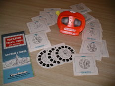 "45 View-Master Reels from the 1970s straight from the production line in Portland Plus: ""Lighted"" View-Master Viewer Model ""N"" from 1991, for daylight and artificial light. Plus View-Master Vacation Travel Guide from 1985."