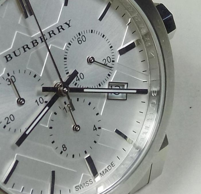 Burberry BU9350- Silver Ornament Dial - 50 Meters - 2010 - Men s Chronograph 433c67c8f6