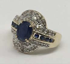 14k  Yellow Gold Ring Midlnight Dark Sapphire  and 34 Diamonds 0.6 ct Total - US 7 - no reserve price
