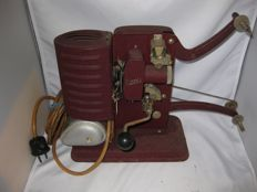 Hand-operated Noris 8 mm projector
