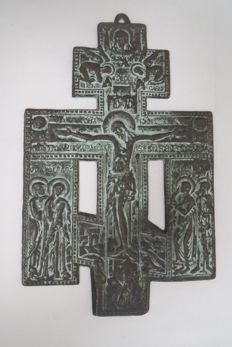 """Ancient kiotnaya icon """"The Crucifixion of Christ with the impending"""" 18th century."""