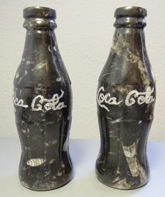 Coca Cola bottles, carved in fossil stone with ammonites and orthoceras - 1.700 kg (2)