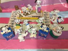 "Disney, Walt - 13 Christmas tree ornaments + Domino set ""Save the Children"" - 101 Dalmations (1963)"