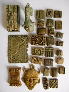 Lot of 28 figurines and weights - ASHANTI - Ghana