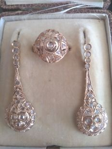 18 kt gold set of ring and earrings with brilliant cut diamonds, H-S I1