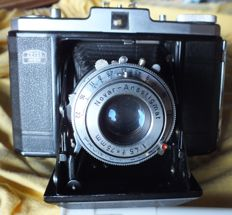Old camera ZEISS IKON Nettar 517 / 16 from 1951