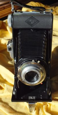 Old camera Agfa Billy I from 1952 - like new from the photo store