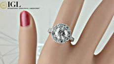 IGL 2.66 ct round diamond engagement halo ring in 14 kt white gold / size 7