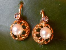 Superb 18 kt yellow gold sleeper earrings with pearls – NO RESERVE PRICE!!