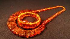 Vintage 100% Genuine old cognac/ Ruby colour Baltic Amber necklace and bracelet, ca. 1960's