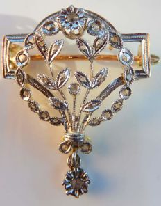 Pendant/brooch in platinum and 18 kt yellow gold with 31 diamonds, 19th century