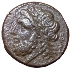 The Greek Antiquity - Northern Apulia, Arpi - Æ (Bronze, 21mm, 7,61g.), c. 325-275 BC - Head of Zeus / Boar - SNG ANS 635; Rutter HN Italy 642