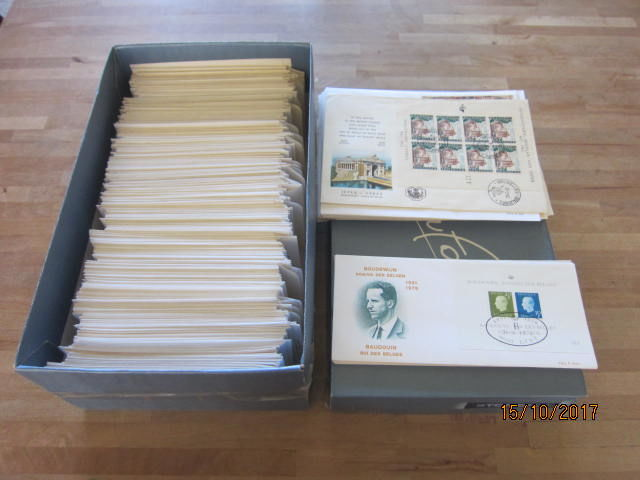 Belgium 1960/1979 – Batch of 680 FDC's in a box