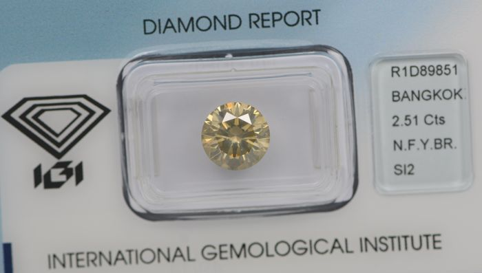 2.51ct Natural Round Brilliant Diamond , Fancy Yellowish Brown SI2. IGI Certificate R1D89851