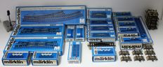 Märklin H0 - 5108/-09/-10/-12/-13/-29/-31/-40/-46/5207/-10/7188/-90/-91/7072/7211 - Various collection of M-rails, switches, signals, disconnecting rails, buffer blocks, switchboards