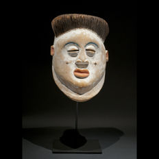 Ancient mask - PUNU - Gabon