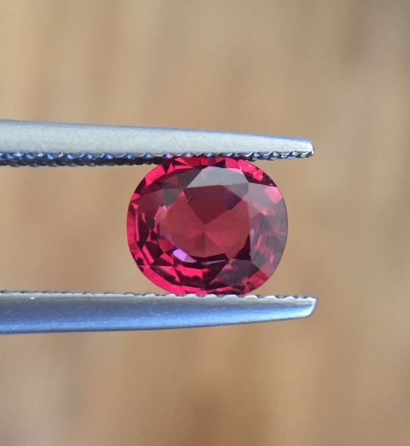 Spinel - red - 1.13 ct