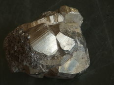 Large Pyrite crystal - 90 x 60 x 60mm - 631 g