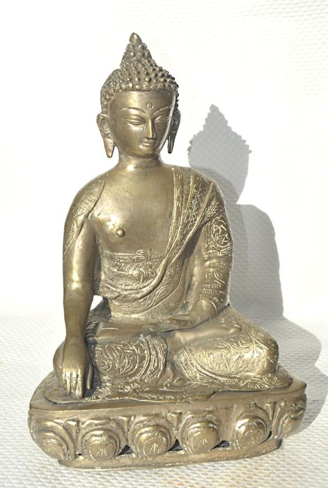 Brass (34 cm) statue of Buddha in Vitarka - Sino Tibetan/Nepal - around 1965.