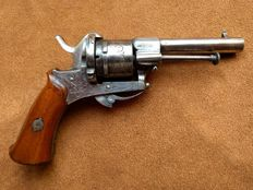Rare ornately etched and engraved Eugène Lefaucheux pinfire revolver caliber 7 mm - ca. 1850