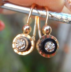 """Dormeuse"" earrings in 18 kt yellow gold with onyx and diamonds - NO RESERVE PRICE!!"