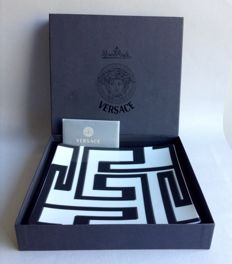 """Rosenthal Versace, """"Daedalus"""" collection - pocket emptier in white and black porcelain"""
