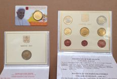 Vatican – Year collection 2017 + 50 Cents 2017 and 2 Euro 2017 'Papal coat of arms' in Coin card