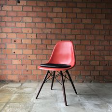 Charles & Ray Eames for Herman Miller – side chair DSW, red