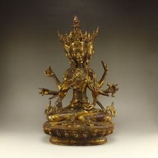 Lot with 3 Head 8 Arms Ushnishavijaya Namgyalma Buddha Statue - Tibet/China - second half 20th century