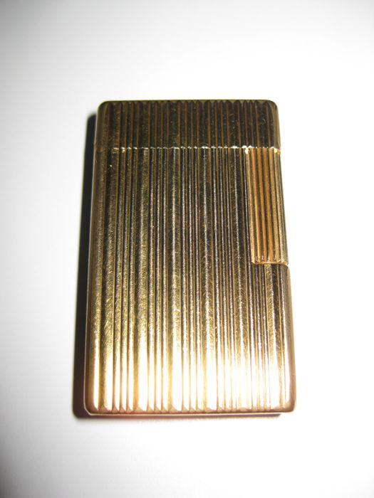 S.T. Dupont large gold plated lighter, vertical lines - Ligne 1