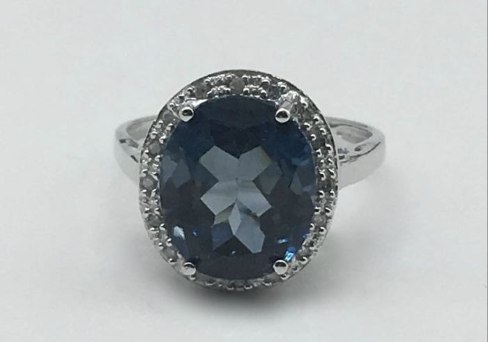 14k Gold  ring with  sapphire  and diamonds 0.12 ct - Ring Size: US 7