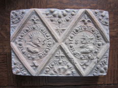 Fireplace stone / tile with kings - dated 1586